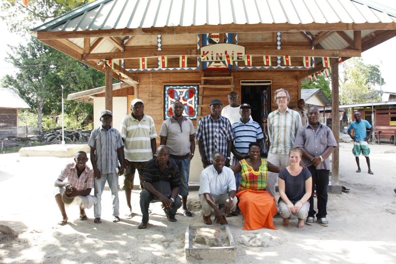 RCE experts visiting in Dritabiki in Surinam for a meeting on Marroon heritage