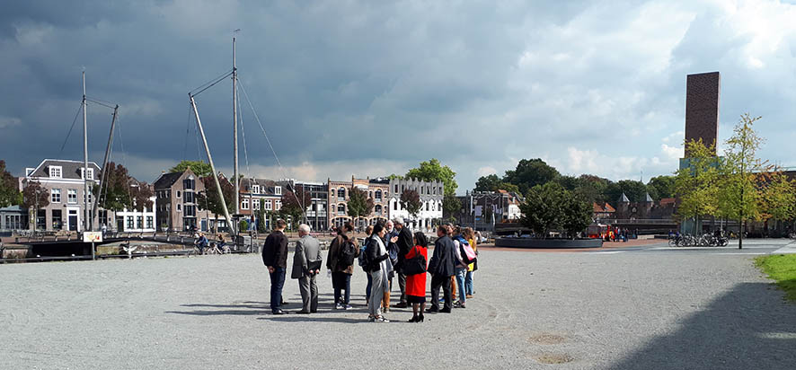 Participants of the course on Urban Heritage Strategies for Russian Professionals (September 2017) visiting the Eemkwartier in Amersfoort, the Netherlands (photo: Remco Vermeulen)