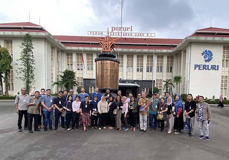 Workshop participants during fieldwork at Indonesia's former mint premises in Jakarta, February 2020 (photo: Jacob Gatot Sura).