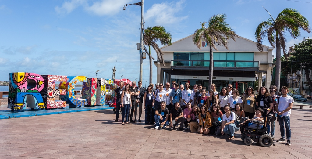 Participants of the workshop 'RxH 2019' (more information in 'What's Happening Now') on 2 September at the Marco Zero Square, Recife (Brazil) (photo: Ariano Rodrigo).